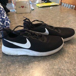Black Nike Rosche